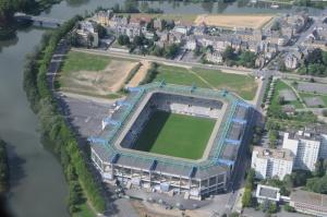 Le stade Louis-Dugauguez