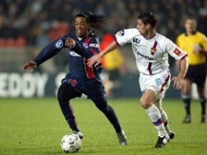 Ronaldinho à la lutte avec Bréchet