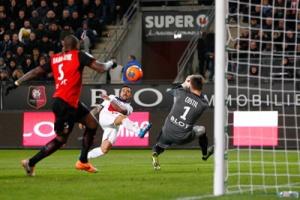 Photo: Ch. Gavelle, psg.fr (voir la photo en taille originale :  http://www.psg.fr/fr/Actus/105003/Galeries-Photos#!/fr/2013/2673/37601/match/-1-3/rennes-paris-1-3 )