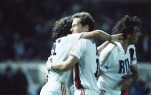 La joie des parisiens après le but contre son camp de Laurey