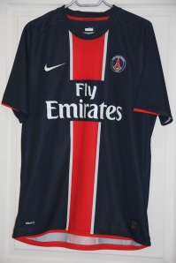 Maillot domicile 2008-09 (collection http://maillotspsg.wordpress.com)