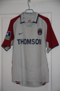 Maillot extérieur 2003-04 (collection http://maillotspsg.wordpress.com)