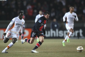 Photo Ch. Gavelle, psg.fr (photo en taille d'origine : http://www.psg.fr/fr/Actus/105003/Galeries-Photos#!/fr/2008/1834/18398/match/psg-lens/psg-lens-2-0)