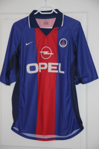 Maillot domicile 2000-01 (collection http://maillotspsg.wordpress.com)