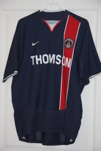 Maillot domicile 2003-04 (collection http://maillotspsg.wordpress.com)