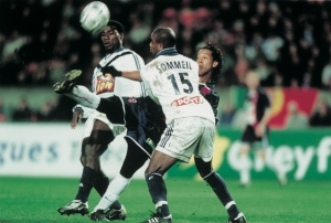 Ronaldinho s'impose malgré deux bordelais