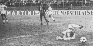 Ilja Pantelic ne peut rien sur le tir de Rouquette : Monaco mène 1-0.