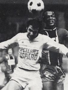 François M'Pelé à la lutte...