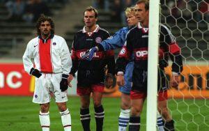 9798_Bayern_PSG_Simone