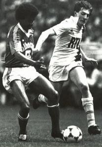 Le même Luis Fernandez face à Janvion