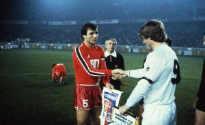 Dominique Bathenay et le capitaine de Swansea