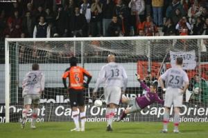 Photo Ch. Gavelle, psg.fr (image en taille d'origine: http://www.psg.fr/fr/Actus/105003/Galeries-Photos#!/fr/2008/1766/18857/match/Lorient-PSG/Lorient-PSG-0-1)