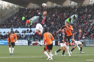 Photo Ch. Gavelle, psg.fr (image en taille d'origine: http://www.psg.fr/fr/Actus/105003/Galeries-Photos#!/fr/2010/2063/23991/match/Lorient-PSG/Lorient-PSG-1-1)
