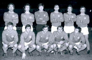 Les parisiens avant le match : Djorkaeff, Leandri, Delhumeau, Arribas, Leonetti, Mitoraj, Rémond, Guignedoux, Prost, Hallet et Bras (archives MK)