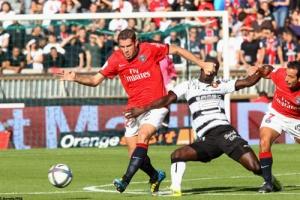 Photo Ch. Gavelle, psg.fr (image en taille et qualité d'origine: http://www.psg.fr/fr/Actus/105003/Galeries-Photos#!/fr/2010/2049/23602/match/PSG-Rennes/PSG-Rennes)