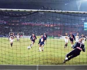 Ouverture du score de Mikel Arteta sur penalty
