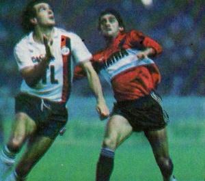 Michel Bibard à la lutte avec Francescoli