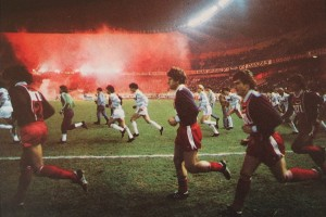 L'entrée des joueurs devant le Kop de Boulogne