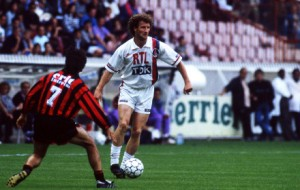 Jean-Pierre Bosser balle au pied