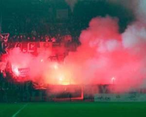 Les fans parisiens à l'entrée des joueurs