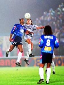 Mauricio Paochettino dans un duel (très) aérien