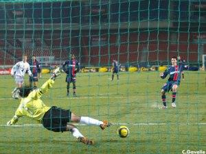 ... et penalty transformé par Selim Benachour!