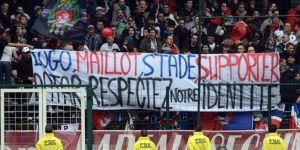 Les supporters parisiens tentant de se faire entendre...