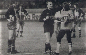 Un des tournant du match: Abel Braga face à Hiard pour une posible égalisation sur penalty...