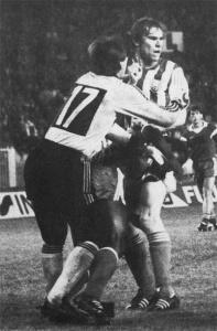 Télescopage entre le même Bocandé et le gardien tchécoslovaque Zapalka