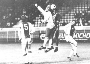 François M'Pelé face à Schrijvers et Krol (archives MK)