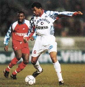 Antoine Kombouaré devant Billong