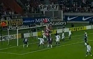 La réduction du score de Sylvain Distin sur corner