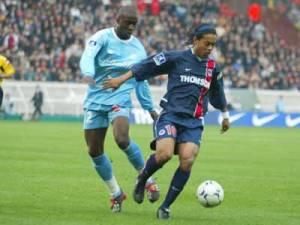 Ronaldinho donne le tournis aux défenseurs phocéens