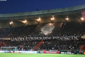 Photo Ch. Gavelle, psg.fr (image en taille et qualité d'origine: http://www.psg.fr/fr/Actus/105003/Galeries-Photos#!/fr/2009/1925/22144/match/PSG-Bordeaux/PSG-Bordeaux-3-1)