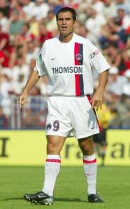 Le nouvel attaquant du PSG, un certain Pauleta...