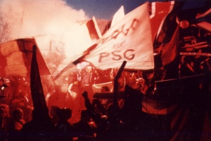 Autre photo des supporters parisiens (Mouvement Ultra)