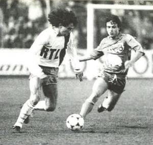 Dominique Rocheteau balle au pied (A. Gadoffre)