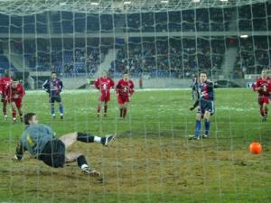 Sans doute le tourant du match : le penalty non transformé par Frédéric Dehu à la 70ème (Ch. Gavelle)