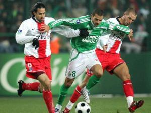 Le même Yepes, assisté de Didier Digard : les attaquants stéphanois ne passeront pas!