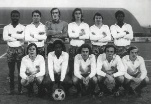 Les parisiens avant le coup d'envoi : Dossevi, Béreau, Py, Schmitt, Béhier, Laposte, Dumot, André, Renaut, Marella, Brost (archives MK)