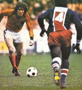 Le néerlandais van Hanagem balle au pied (archives MK)