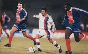 Benoît Cauet et Bruno Ngotty tentent de stopper Giuly