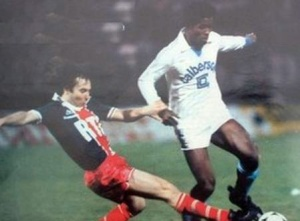 Tacle de Jean-Claude Lemoult sur Santos