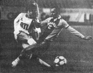 Luis Fernandez à la lutte (HAC Foot Archives)