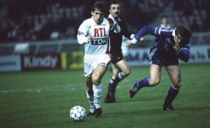 Safet Susic balle au pied