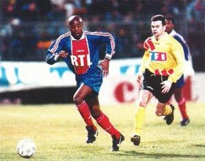 Pascal Nouma balle au pied