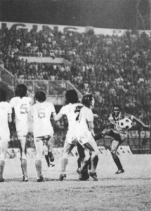 Coup franc de François M'Pelé