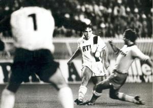 Manuel Abreu à la lutte avec Cabrini (archives de Manuel Abreu)