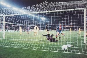 Raï parachevera le succès parisien en fin de match