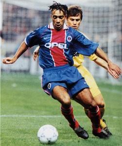 Patrice Loko balle au pied